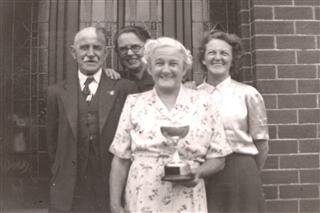 Ivy Langton, her Mum and Dad with Kathleen.